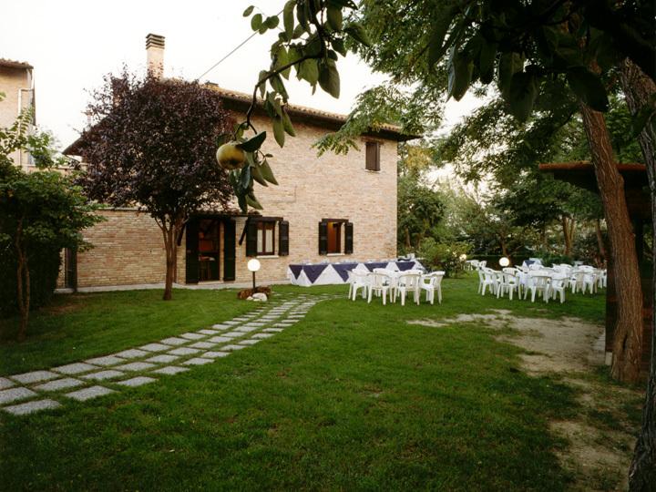 esterno sala nozze