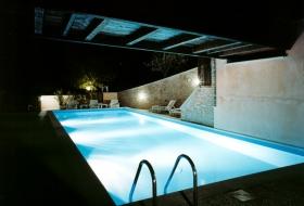 piscina esterna sera